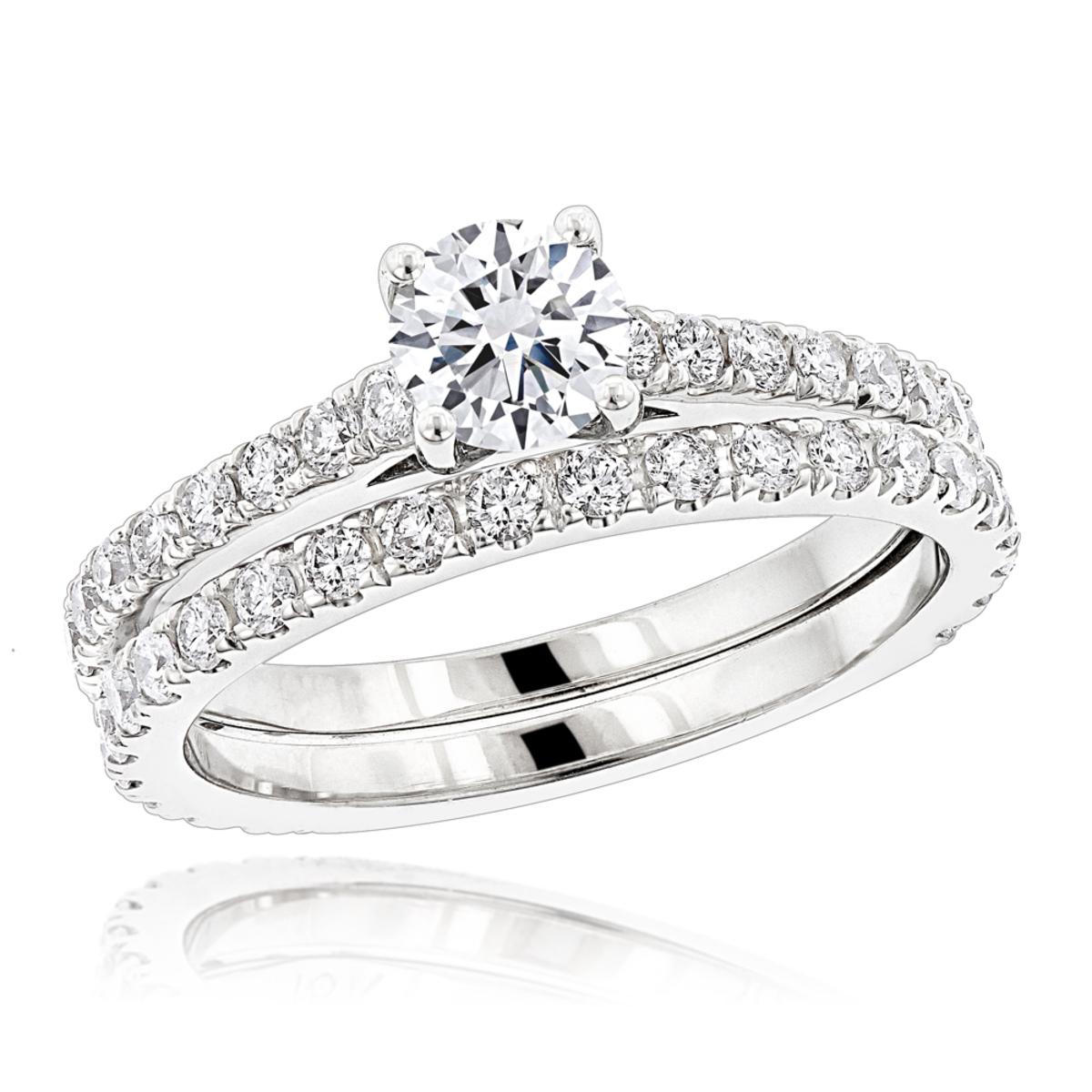 1.5 Carat Round Diamond Engagement Ring and Wedding Band Set in 18k Gold