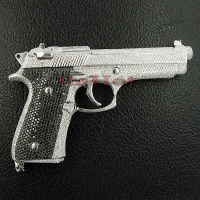 18K Gold White Black Diamond Gun Pendant Pistol 83.77ct
