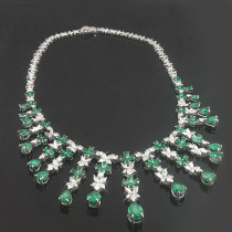 18K Gold Diamond & Emerald Necklace 13.31dtw 28.52etw