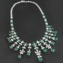18K Gold Diamond & Emerald Necklace 15.17dtw 22.44etw