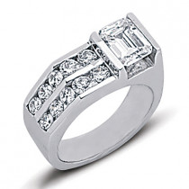 18K Gold Ladies Diamond Ring 2.30ct