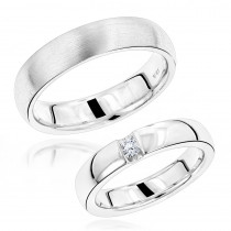 Luxurman 18K Gold Diamond Matching His and Hers Wedding Band Set Comfort Fit