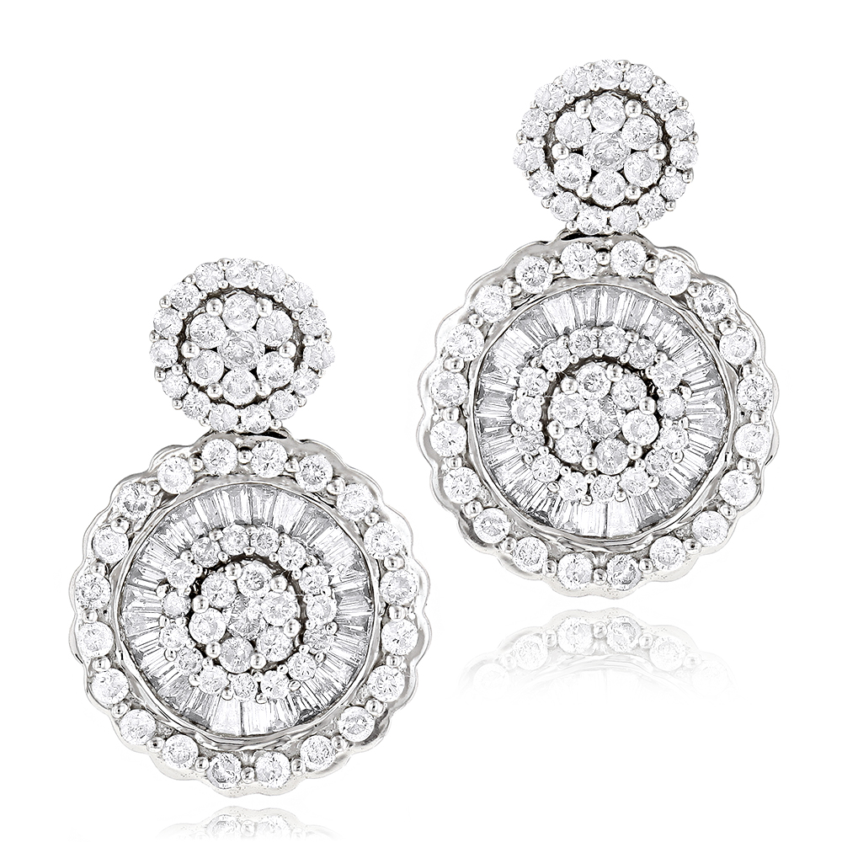 Ladies 18K Gold Designer Diamond Earrings 1.78ct