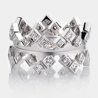 Luccello Diamond Crown Eternity Ring Set 18K Gold 0.64ct
