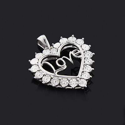 Mothers Day Gifts: Mom Diamond Heart Pendant 10K Gold